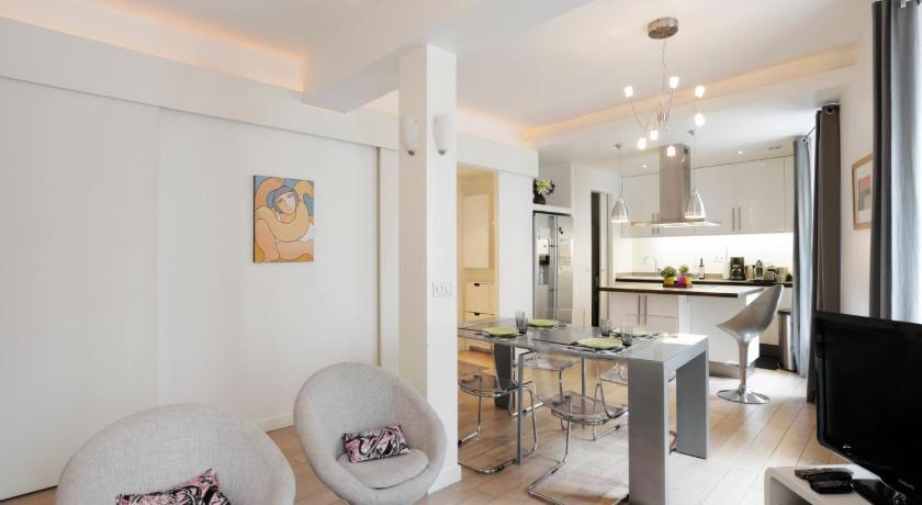 Sleek Apartments near Saint Germain boulevard Montparnasse Paris