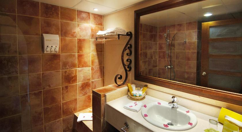Superior Double Room - Bathroom Occidental Caribe - All Inclusive (former Barcelo Punta Cana)