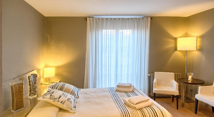 boutique hotels in begur  120