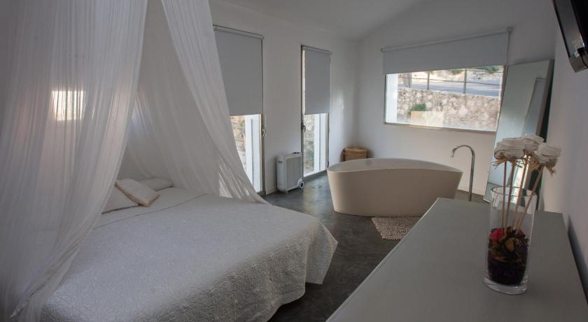 La Maga Rooms 1