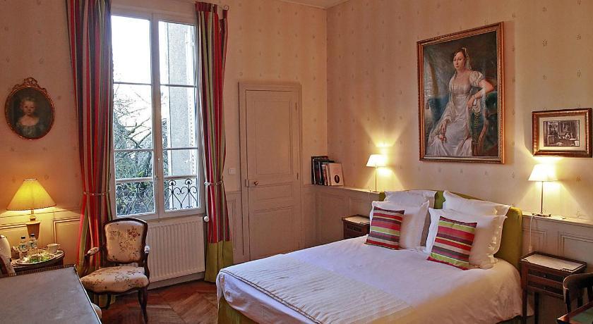 les chambres de mathilde book online bed breakfast europe. Black Bedroom Furniture Sets. Home Design Ideas