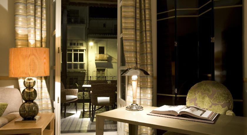 hoteles con encanto en granada  445