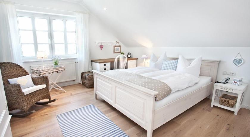 Belle Maison - Das kleine Hotel | Online buchen | Bed & Breakfast ...
