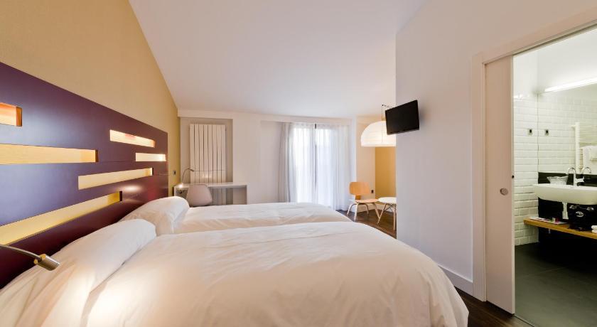 hoteles con encanto en berlanga de duero  86