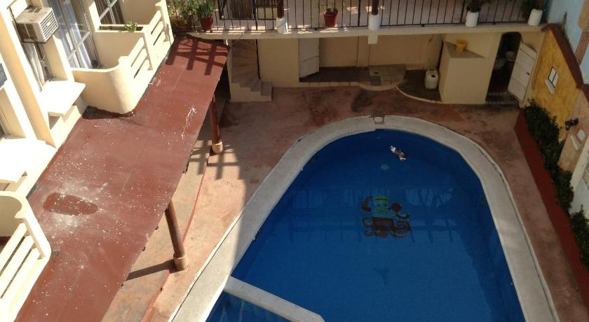 Swimming pool Hotel Zihuatanejo Centro