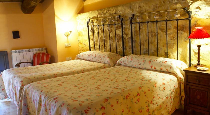 Double Room with Extra Bed - Guestroom Hotel Casa Valero