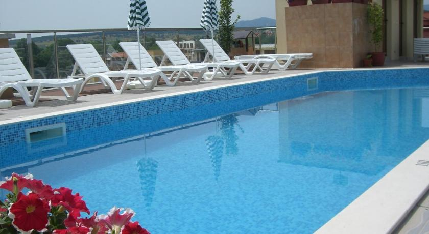Swimming pool Apartments in Spa Complex Fantasy