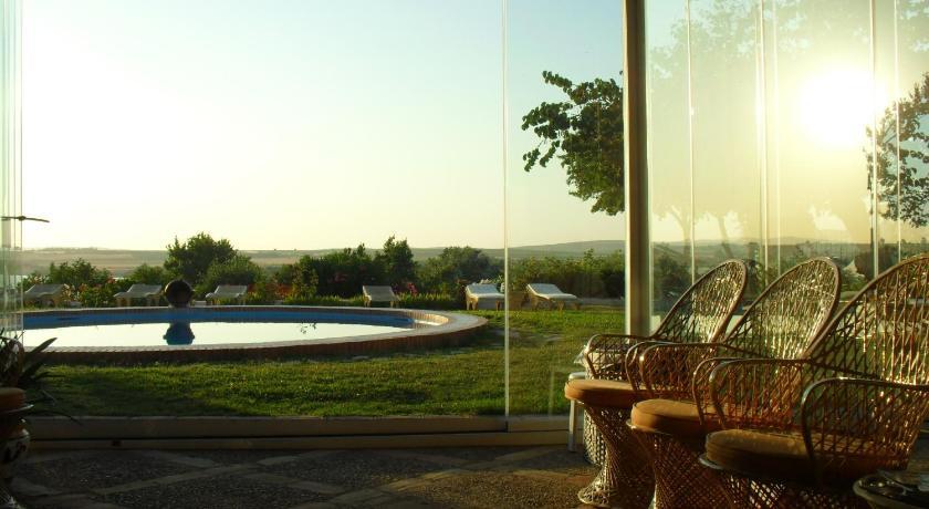 hoteles con encanto en cádiz  93
