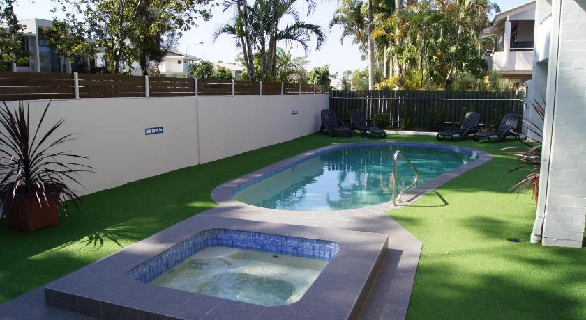 More about Noosa Parade Holiday Inn