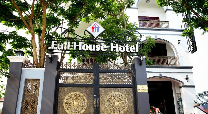 More about Full House Hotel