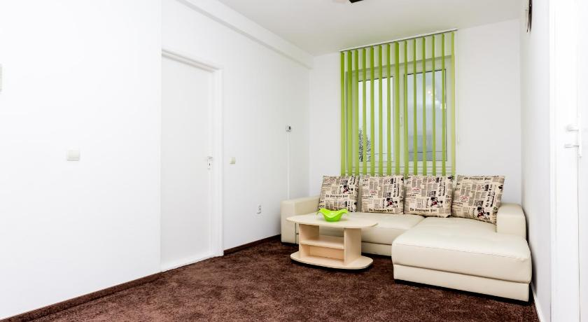 One-Bedroom Apartment with Balcony - Guestroom Apartament Miki