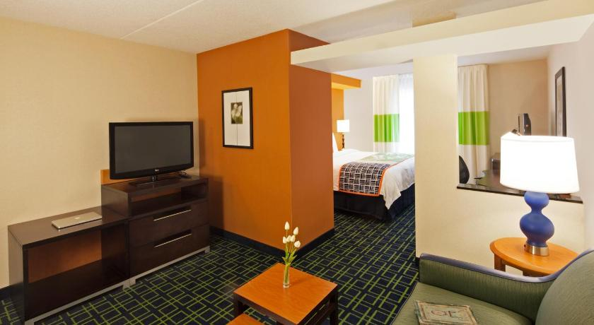 Guest Room with King or 2 Queen Beds