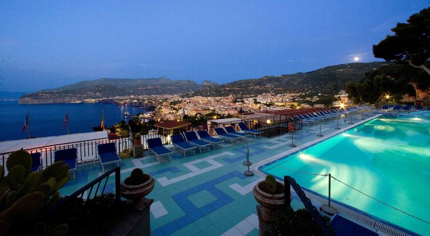 Hotel bristol in sorrento pictures reviews deals - Hotel in sorrento italy with swimming pool ...