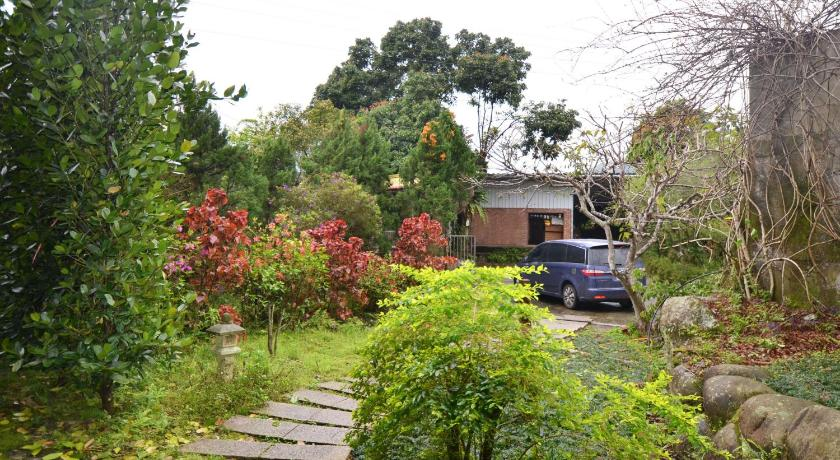 Hotel in Taiwan | Old Street Hill View House Homestay
