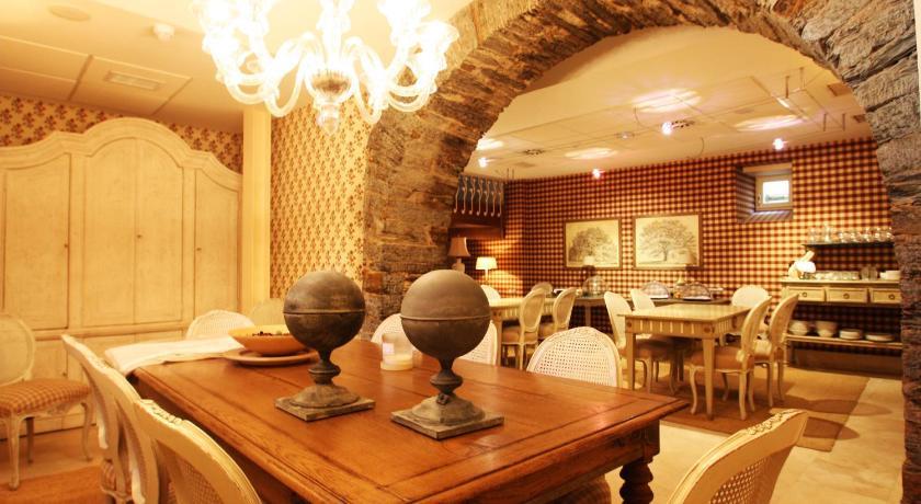 hoteles con encanto en villafranca del bierzo  9
