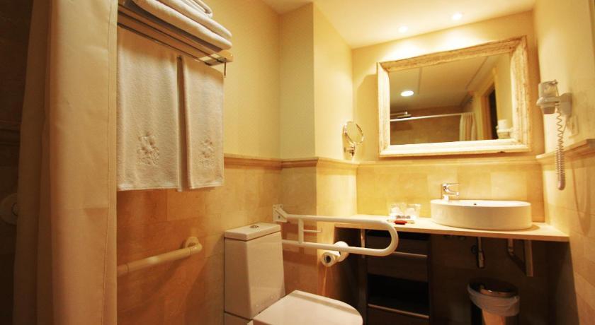 hoteles con encanto en villafranca del bierzo  18