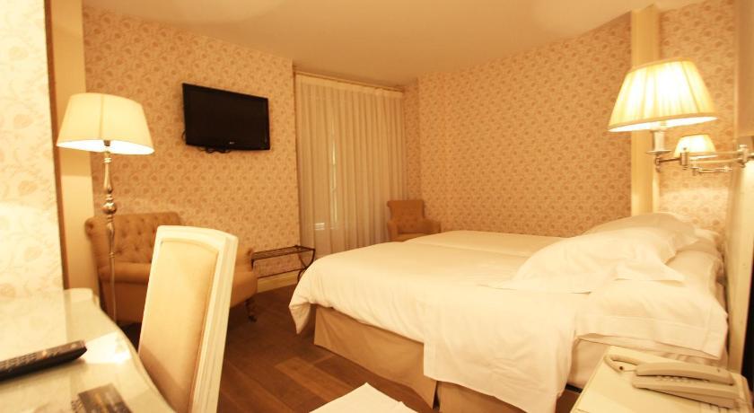 hoteles con encanto en villafranca del bierzo  17