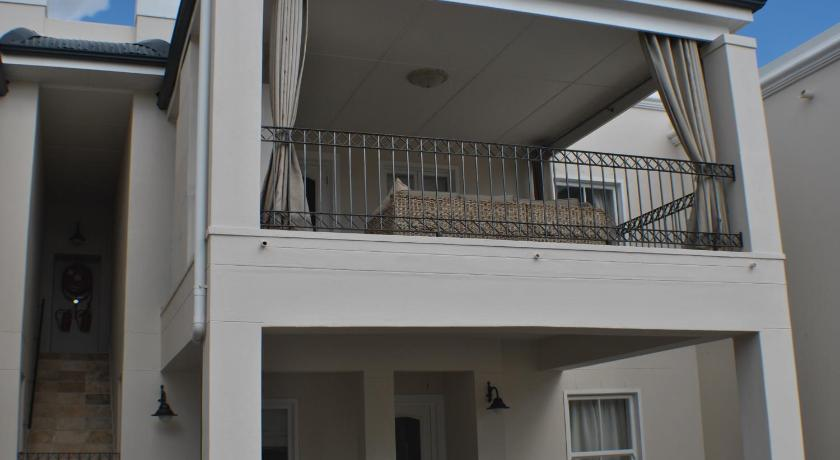 Apartment Jourdan 3 Huguenots Rd Franschhoek