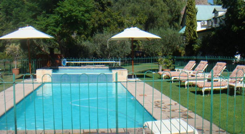 Piscina Rainbow Glen Self Catering Chalets