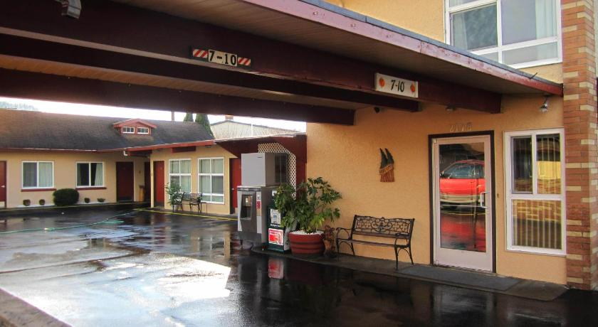 More About Fir Grove Motel