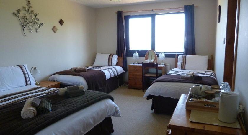 Quadruple Room with Sea View - View Gairloch View Bed & Breakfast