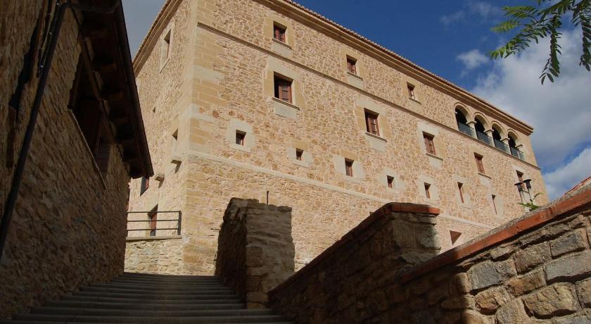 Hospedería Palacio de Allepuz 2