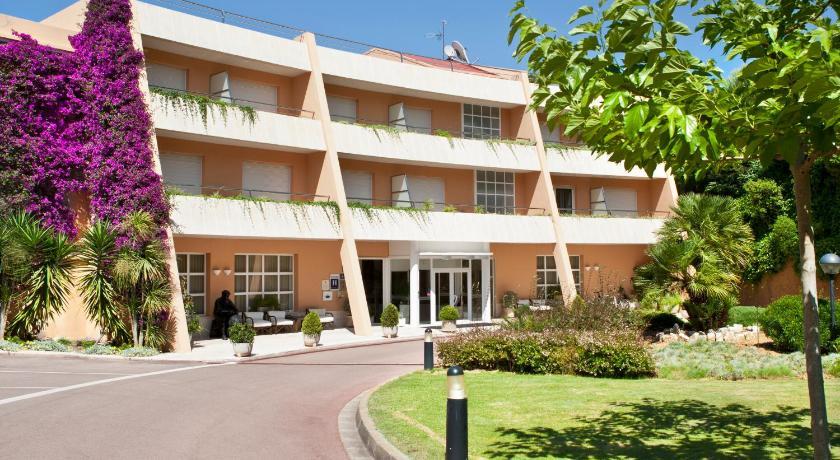 Hotel Sa Punta 56
