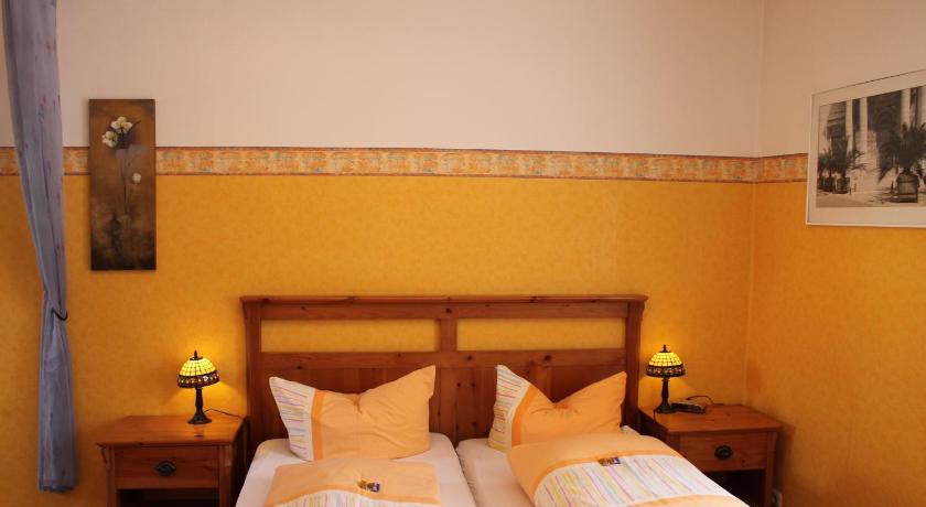 Kreuzerhof Hotel Garni Millergasse 2-6 Rothenburg ob der Tauber