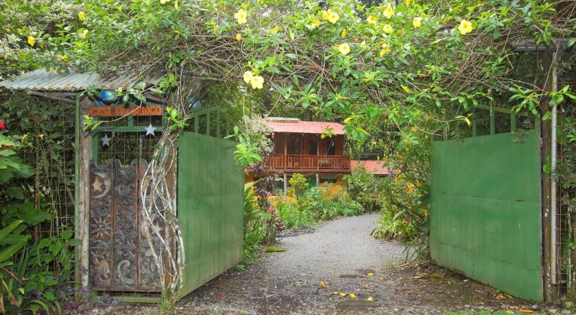 Entrada Casa Rio Blanco Eco Friendly B&B