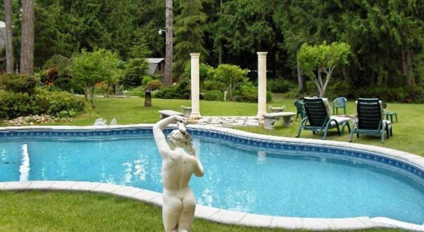 Arcadia Getaway And Clothing Optional Resort