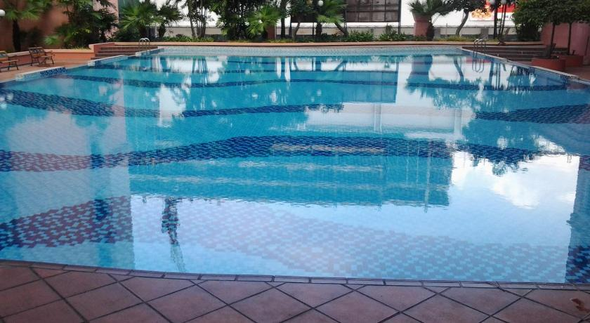 Swimmingpool Homestay Serviced Apartment - Marina Court