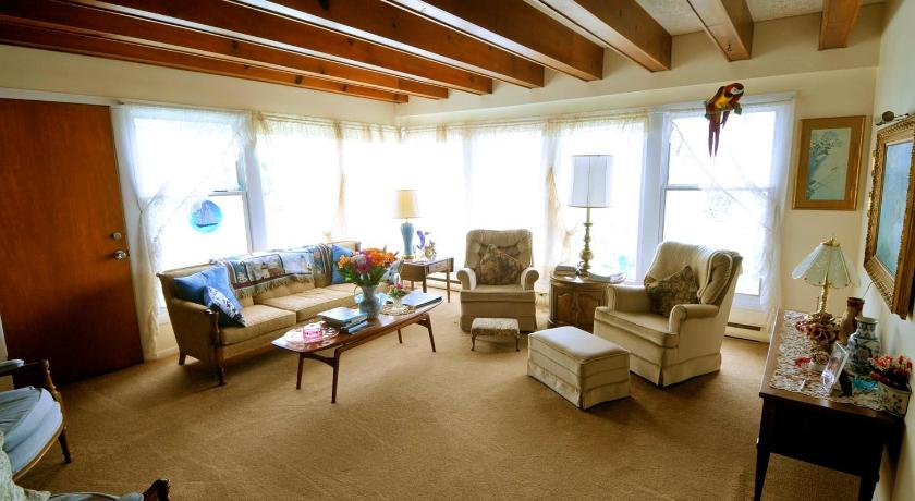 Twin Room With View - Separate living room Pleasant View Bed and Breakfast