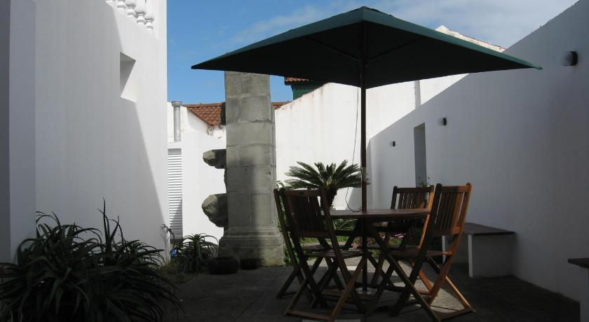 A Casa do Lado Rua D. Pedro IV, nº 23 Horta