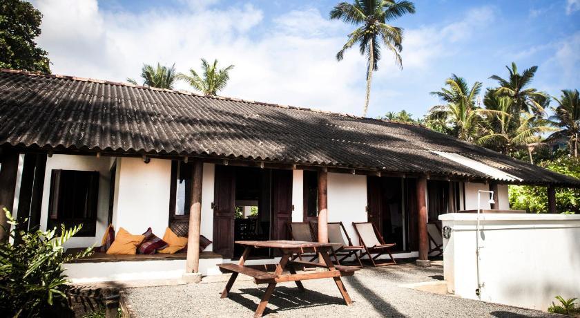 Lands End Matara | Sri Lanka Budget Hotels