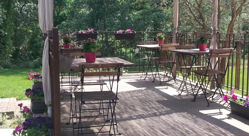 Mol blanc hotel jorba barcelona selecta hotels for El jardin prohibido restaurante