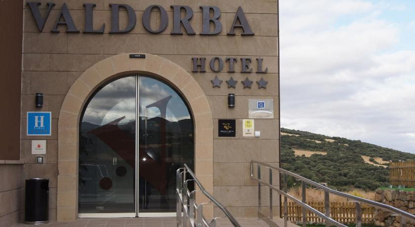 hoteles con encanto en sansoáin  2