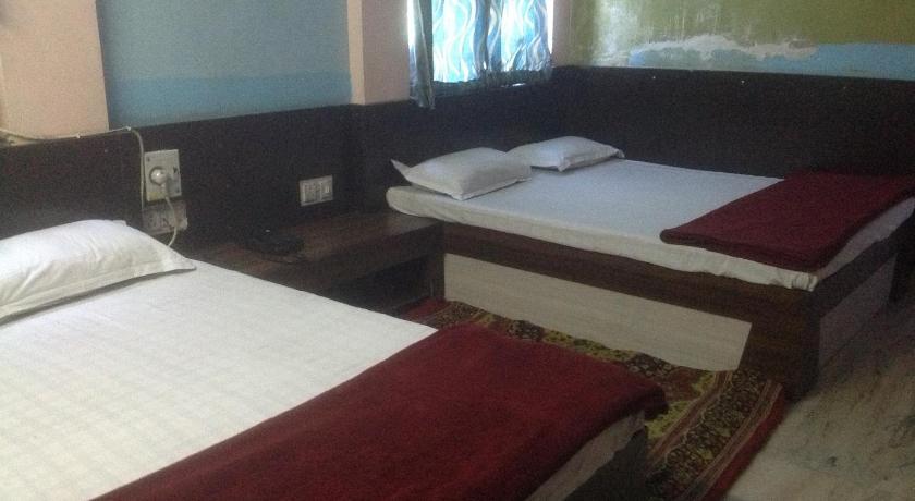 Hotel Abhiraj Palace B 49, Kalwad Scheme, Gopal Bari, Ajmerpulia, Near Railway Station Jaipur