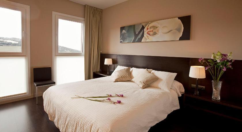 hoteles con encanto en sansoáin  18