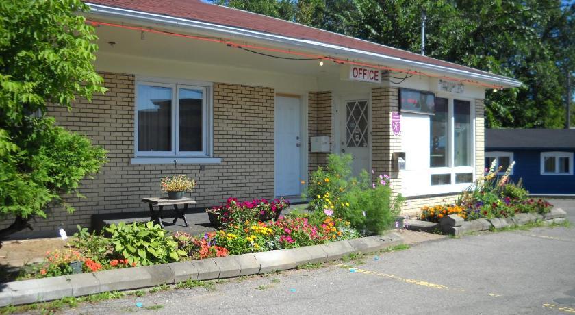 Motel Le Jardin 3290 Boul Wilfrid Hamel Quebec City