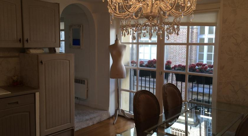 Magnifique Appartement dans Hôtel Particulier Monument Historique 34 rue des Bourdonnais Paris