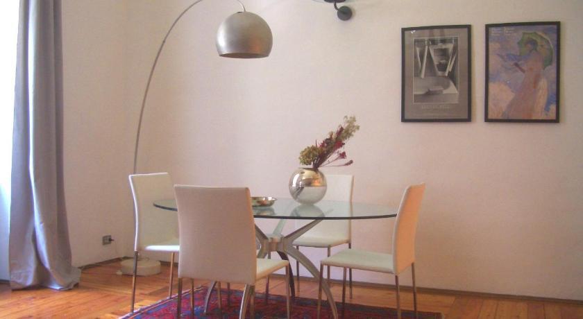 Elegant split level Corso San maurizio 7 Turin