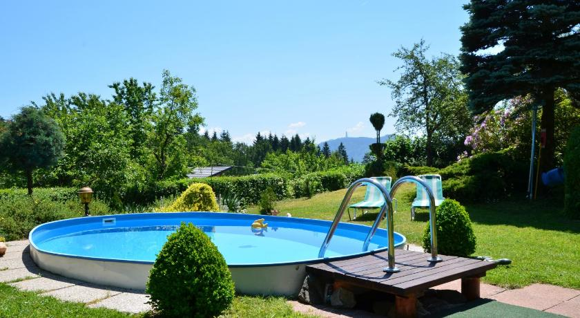 Swimming pool Gasthof-Pension Karawankenblick