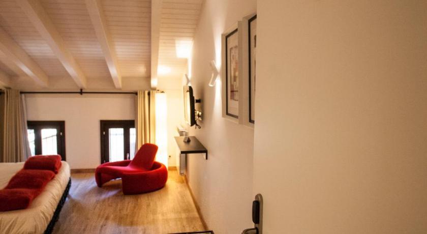 hoteles con encanto en valgañón  26