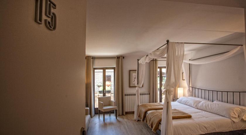 hoteles con encanto en valgañón  52