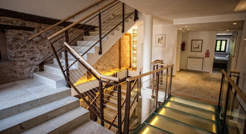 hoteles con encanto en valgañón  18