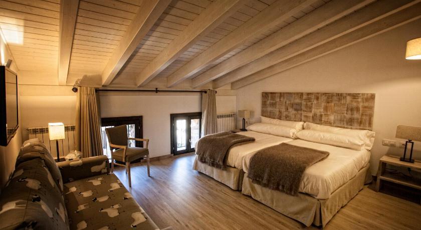 hoteles con encanto en valgañón  59