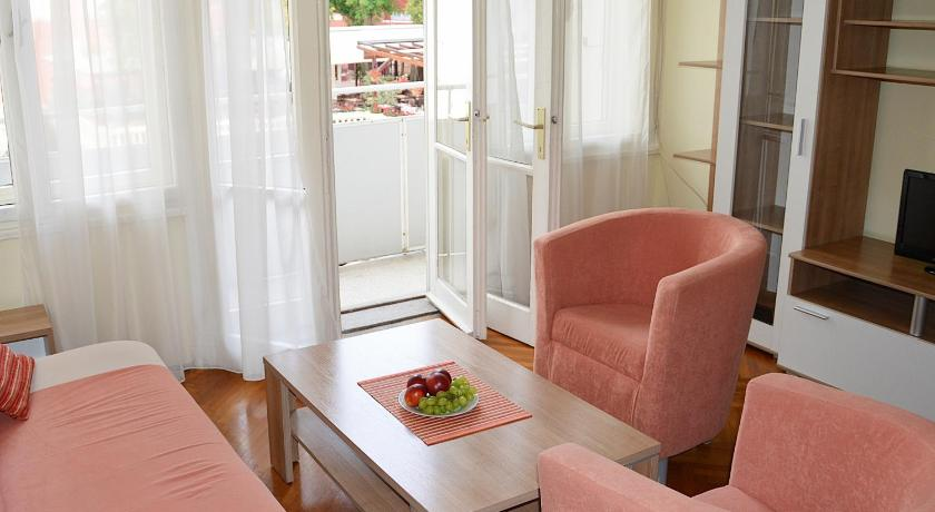 Apartment Sweet Old Town