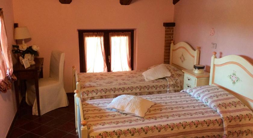 Twin Room with Garden View Agriturismo Sarmore