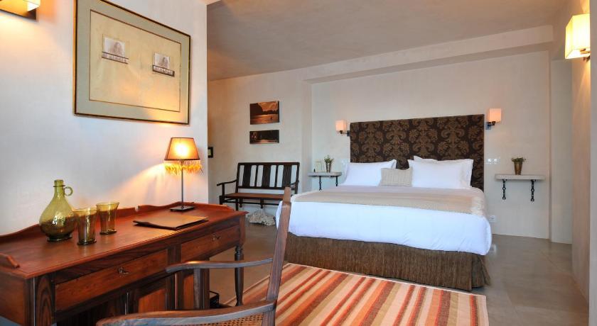 hoteles con encanto en cádiz  342