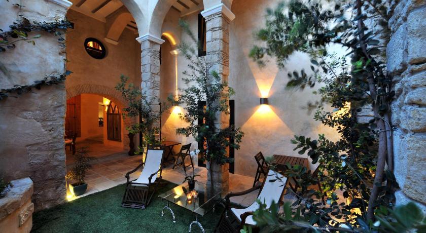 hoteles con encanto en cádiz  354